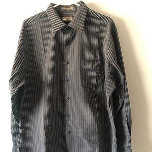 VanHeusen Men's shirt
